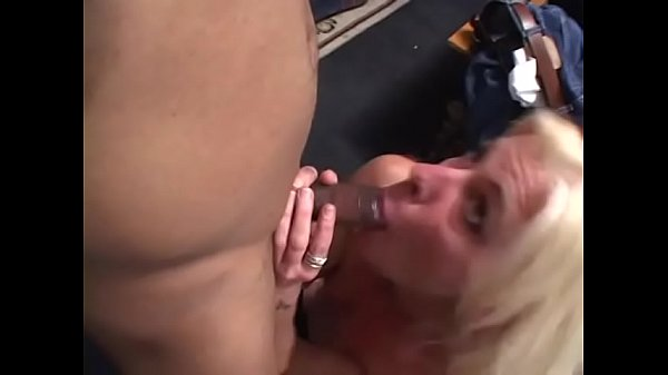 Black stud slams a blond mature with tight body Thumb
