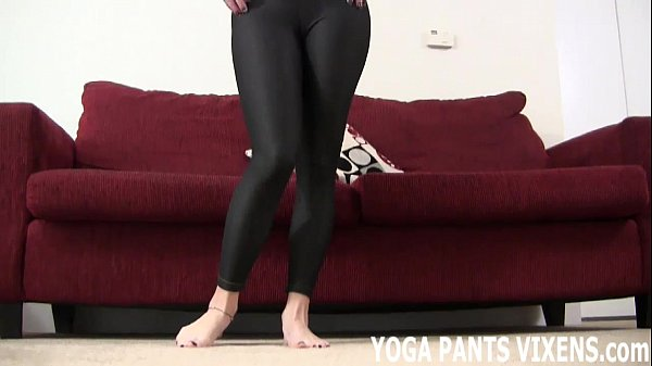 Jerk off to my ass in tight yoga pants JOI