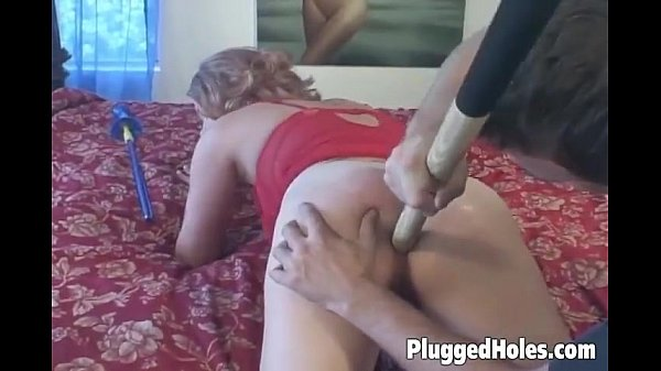 Slutty chick takes it in her ass
