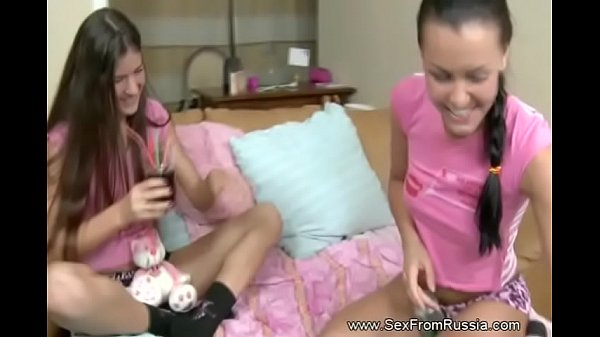 Russian Lesbians Using Vibraters