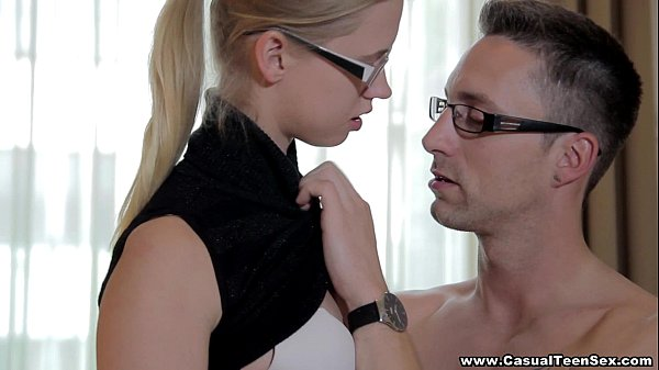 Casual Teen Sex - Pick up trick with cute coed Violette Pure teen-porn