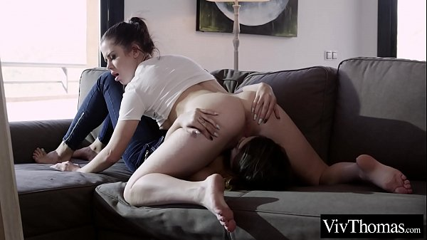 Voluptuous lesbian sits on girlfriends face