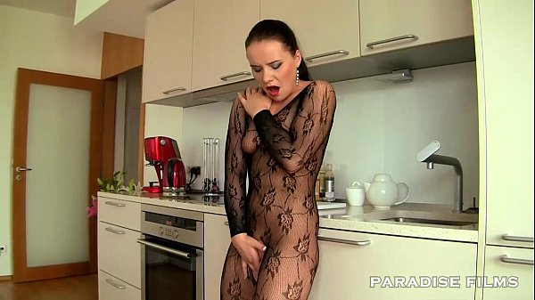 PARADISE FILMS Czech out Wendy Moon Thumb