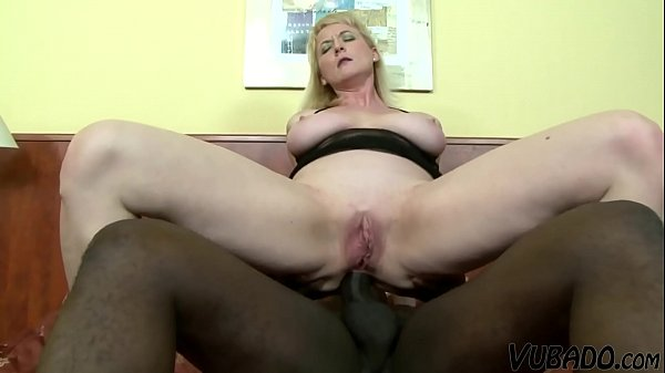 Mom Has Anal Sex With A Huge Black Dick