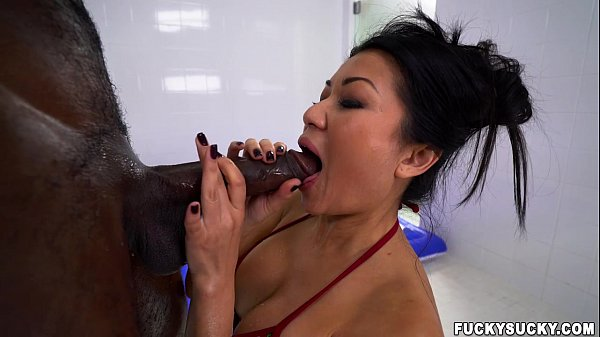 Asian massage with more than a happy ending (fs15465)