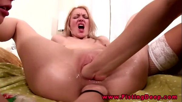 Lesbian threesome includes anal fisting in their gapping holes Thumb