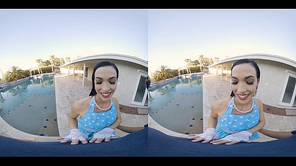 VRConk Sweet pinup wifey sucking cock by the pool VR Porn