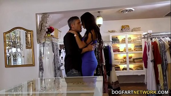 Ebony Bethany Benz Has Anal Sex With Her Customer