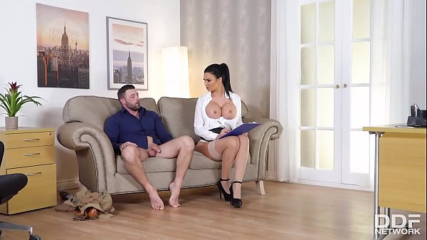 Curvy bombshell Jasmine Jae's big round boobs make erection problems vanish
