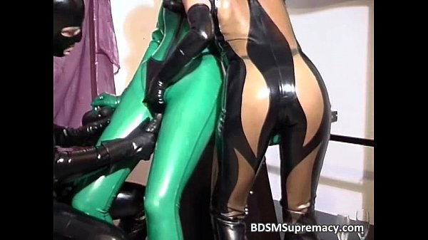Filthy ginger babe in latex cloth gets