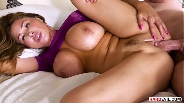 Kianna Dior's Mature Pussy Filled With Long Dick