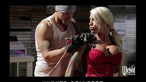 Busty blond Lolly Ink has her dripping pussy fingered and fucked
