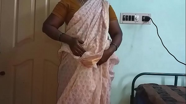 Indian Hot Mallu Aunty Nude Selfie And Fingering For  father in law Thumb