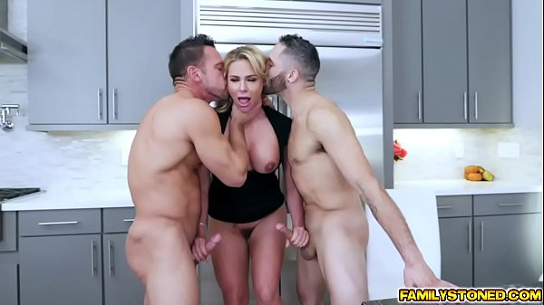 Phoenix Marie double team by two loaded cocks getting sandwich in the middle! Thumb