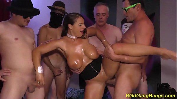 bust Milf Sexy Susi wild anal gangbanged Thumb