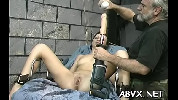 Hottie gets chap to roughly stimulate her pussy...