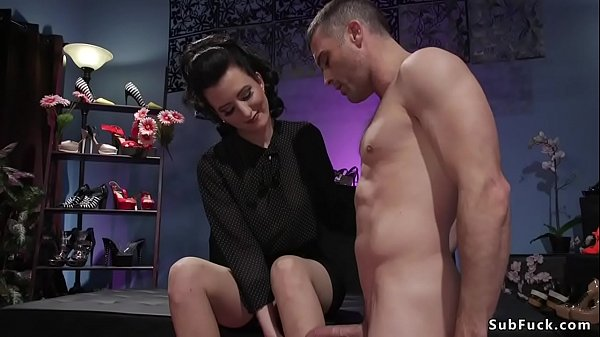 סרטון פורנו Hot babe anal fucks foot sniffer pervert