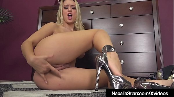Scream Queen Natalia Starr Finger Bangs Her Pussy On Phone!