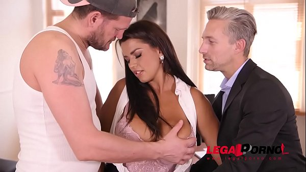 Top-heavy secretary Chloe Lamour double penetra...