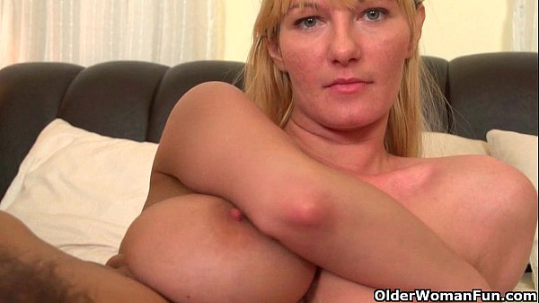 Soccer moms with big tits and hairy pussy mastu...