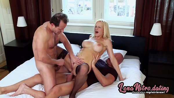 Blonde gets DP'd and creamed during a hot threesome with 2 guys! ▬ Get yourself a fuck date on lenanitro.dating! ►►►