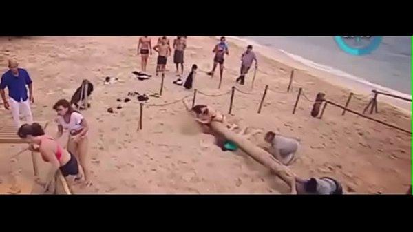 Dayane Mello - topless Isola dei famosi 2017 Thumb
