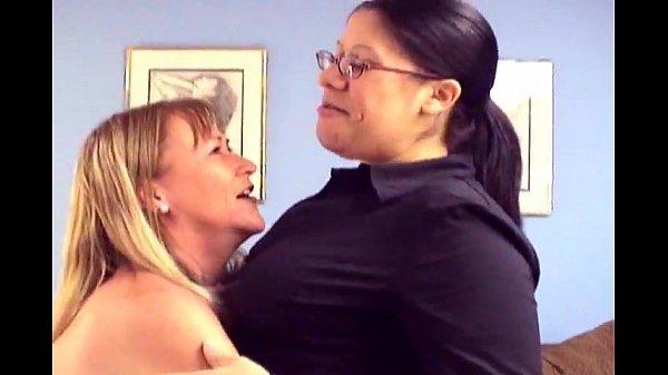 netvideolesbians havin sex