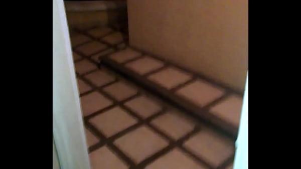 Esposa Cojiendo en el hotel con puerta abierta ricos gemidos