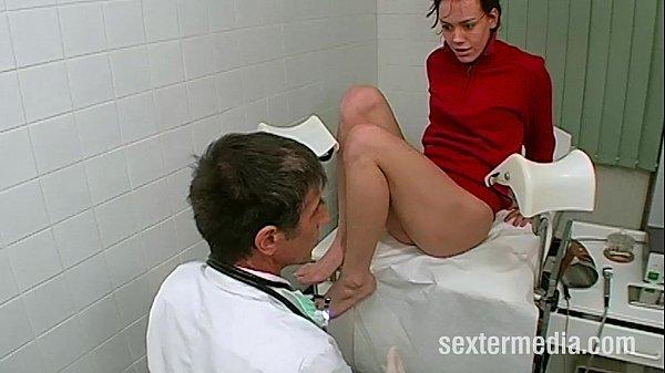 Deutschlands perverser Frauenarzt Thumb