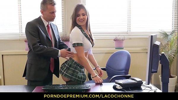 LA COCHONNE - Écolière française bien cochonne, Mina Sauvage se fait enculer