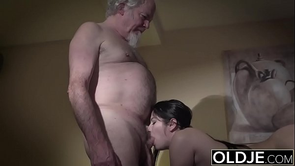 Teen seducing and having sex with old man for t...