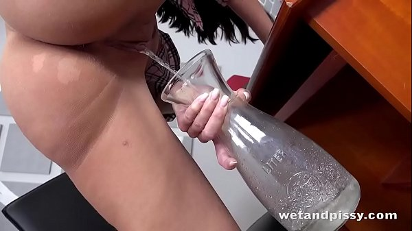 Gushing Babe Orgasms In The Office
