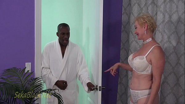 Seka's Interracial Seduction Of Her Trainer Thumb