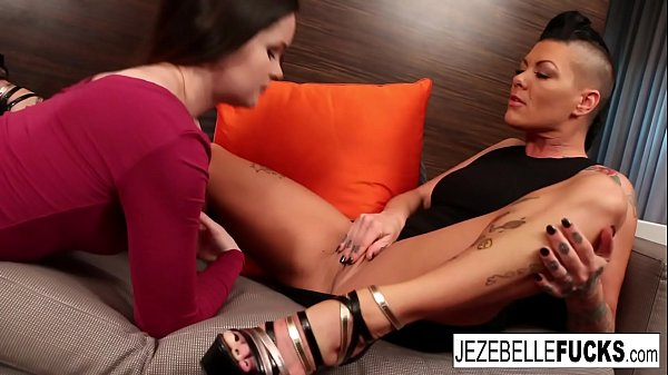 Jezebelle Bond Lesbian Fuck