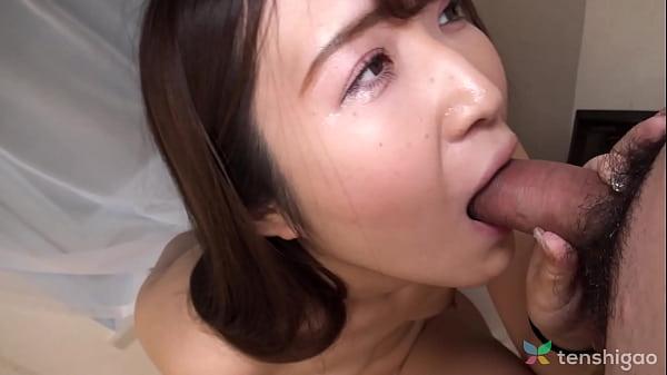 Manami Morishita was squirting while getting fingered