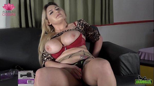 The busty blonde shows how to use - Rafaella Denardin