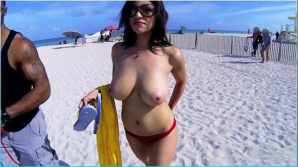 BANGBROS - Puerto Rican Jazmyn Shows Off Her Big Tits & Ass On Beach