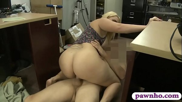 Big butt amateur blonde woman drilled by horny ...