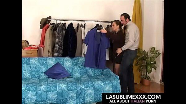 Casalinga si fa inculare dal marito tornato dal...