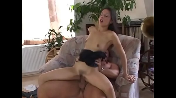 Guy makes her moan by putting his cock in her ass