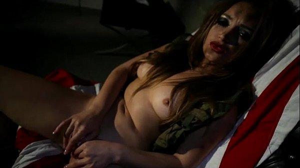 Dani Daniels Masturbates Her Pussy