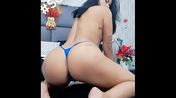 Sexy Latina Aleja torres shows her perfect body
