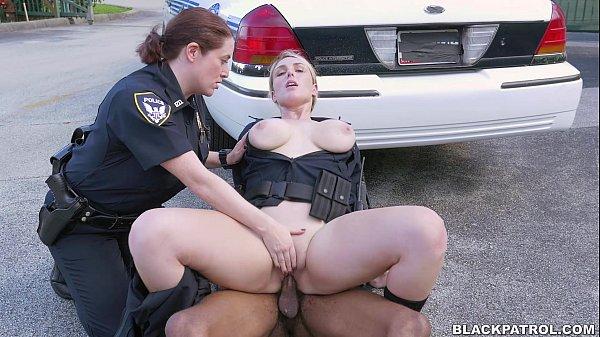 Cops fuck black guy in Miami streets  thumbnail