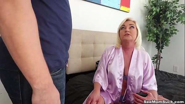 Step Mom r. Blowjob - SeeMomSuck