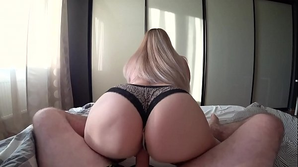 Young girl with big ass loves hot fuck