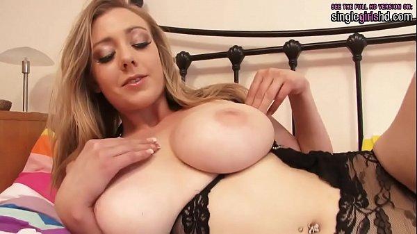 סרטון פורנו singlegirlshd.com – Rubensian blonde with a great natural body playing with her fluffy pink pussy