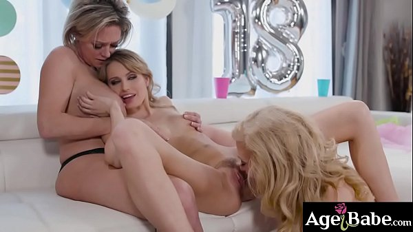 Scarlett Sage getting a sensual experience for ...