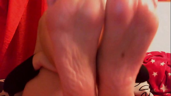 Nicoletta puts her feet on your face and wants your tongue to clean them all