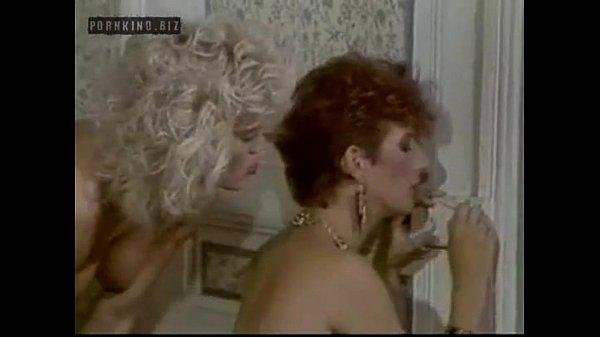 Lesbian Group Sex