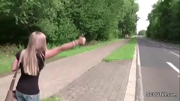 Skinny Teen nach der Schule mit genommen und gefickt Thumb